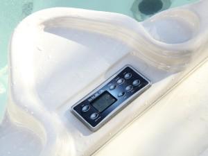 Yacht_pool_2014_04_whirpool_control_panel_02